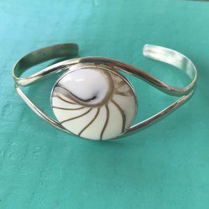 Nautilus Round White Bangle