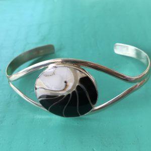 Nautilus Round Black Bangle