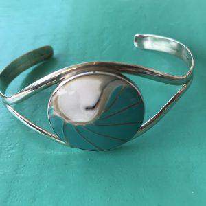 Nautilus Round Turquoise Bangle