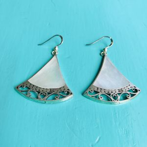 Mother of Pearl Fancy Fan Earrings