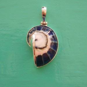 Nautilus Pendant small Blue