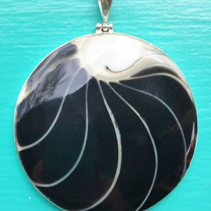 Nautilus Large Round Two Sided Black Pendant