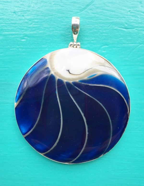 Nautilus Large Round Two Sided Blue Pendant