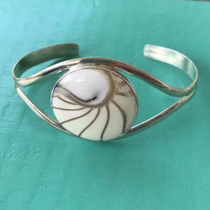 Nautilus Round White Bangle